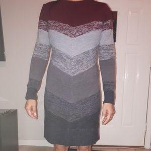 Classy Izod women swester dress size M.